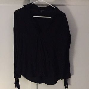 Forever21 cute black blouse with knots sleeves